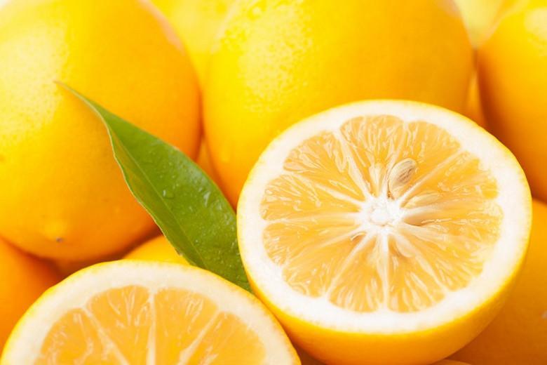 Citrus x limon 'Meyer', Meyer's Lemon, Dwarf Lemon, Citrus × limonia 'Myer's Lemon', Citrus × meyeri 'Meyer', Citrus 'Meyers', Citrus 'Meyer's Lemon', Meyer Lemon, Valley Lemon, Meyers Lemon