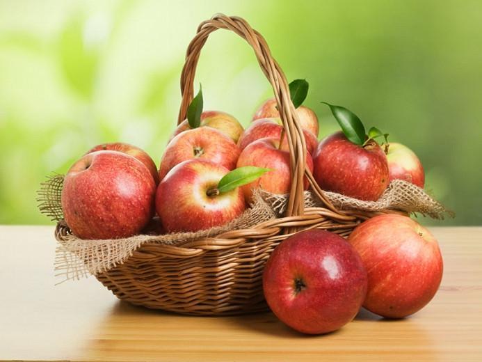 Malus domestica 'Jonagold', Apple 'Jonagold', Jonagold Apple, Malus 'Jonagold', Red Apple, White flowers,